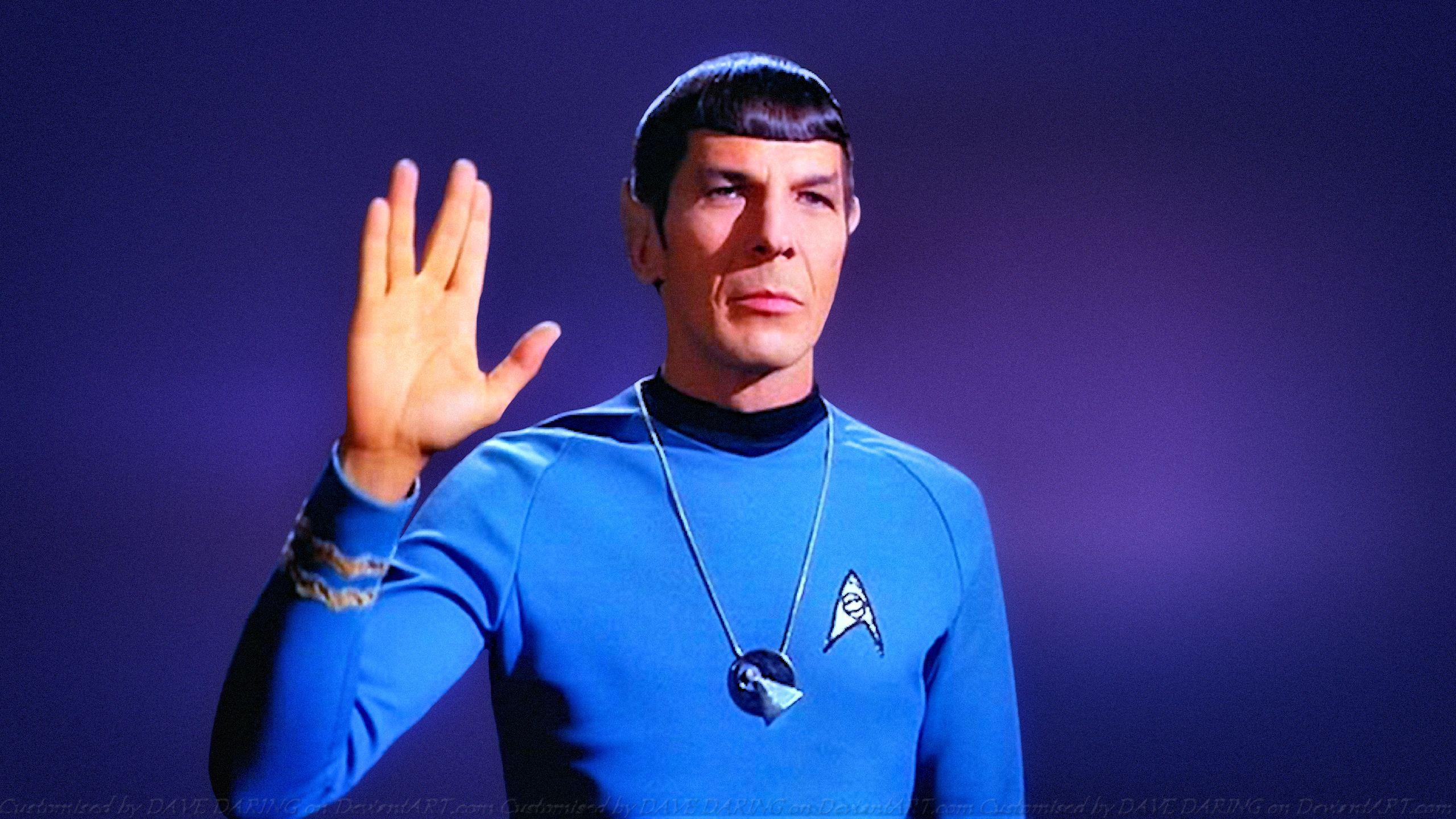 Leonard Nimoy como Spock
