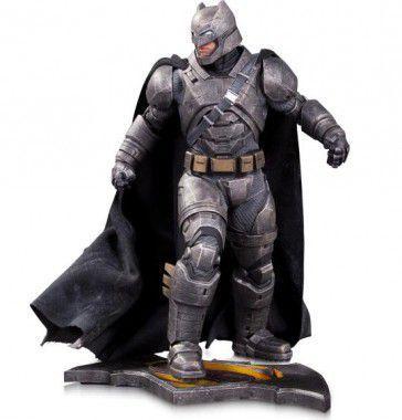 Batman vs Superman estatua