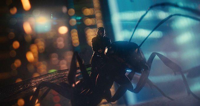 Homem-Formiga inseto gigante