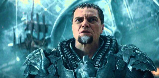 Michael Shannon como General Zod em O Homem de Aço.