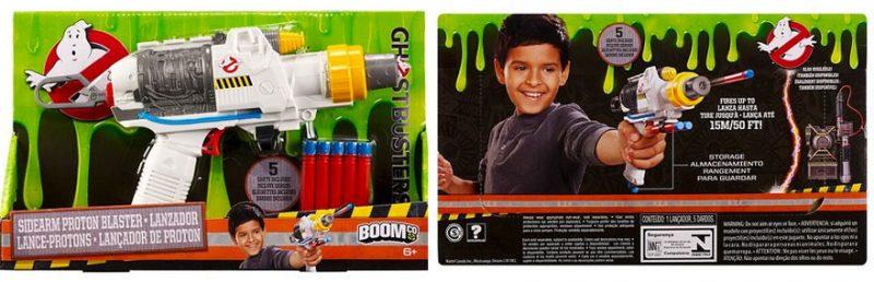 Até a arma especial usada por Kristen Wiig no filme é promovida só para meninos