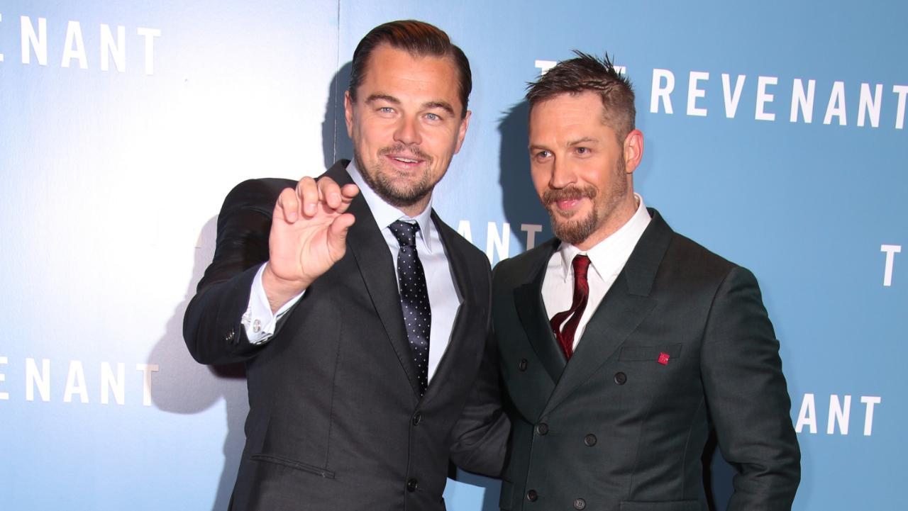 Tom Hardy perdeu aposta com DiCaprio e mostra tatuagem pela primeira vez