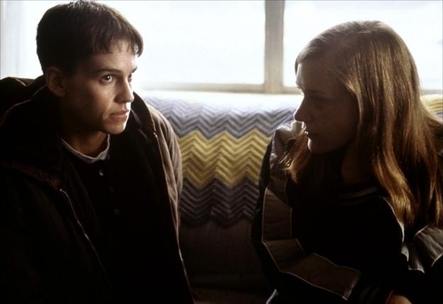 Hillary Swank e Chloe Sevigny em Meninos Não Choram (1999)