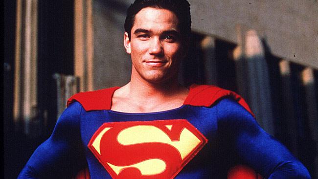 Dean Cain como Superman
