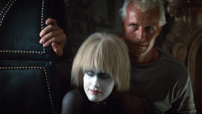 Roy e Pris (Rutger Hauer e Daryl Hannah), os androides de Blade Runner