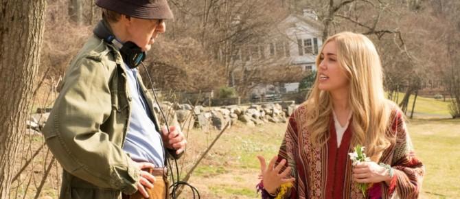 Woody Allen e Miley Cyrus em Crisis in Six Scenes