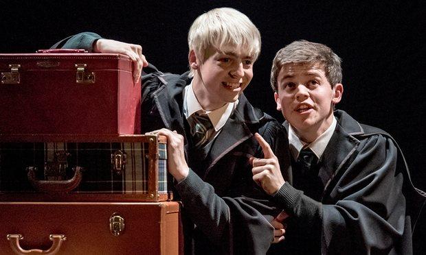 Alvo Potter e Scorpio Malfoy em Harry Potter and the Cursed Child