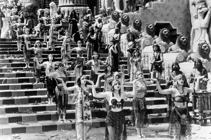 Grandioso set de Intolerância (1916), de D.W. Griffith