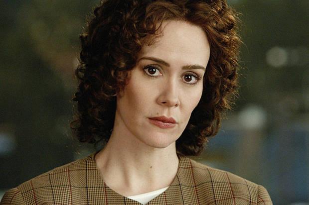 Sarah Paulson como Marcia Clark em The People v. O.J. Simpson: American Crime Story