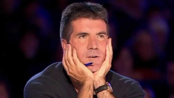 Jurado do 'X Factor' é hospitalizado após cair pelas escadas