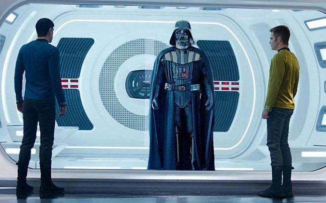 Kirk e Spock vs. Vader?