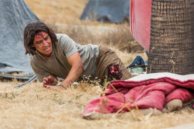 Lorenzo James Henrie como Chris em Fear the Walking Dead