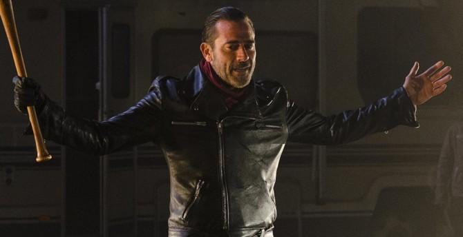 Negan escolhe sua vítima em The Walking Dead