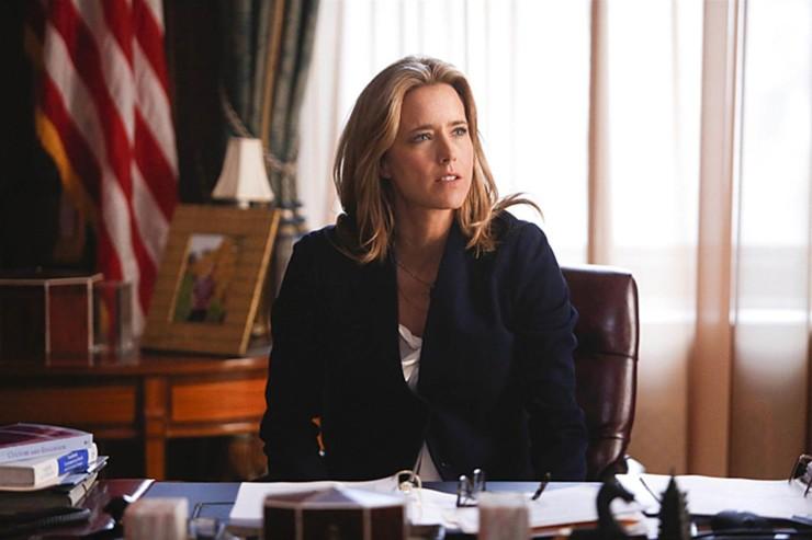 Téa Leoni como Elizabeth McCord em Madam Secretary
