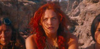 Riley Keough em Mad Max: Estrada da Fúria.
