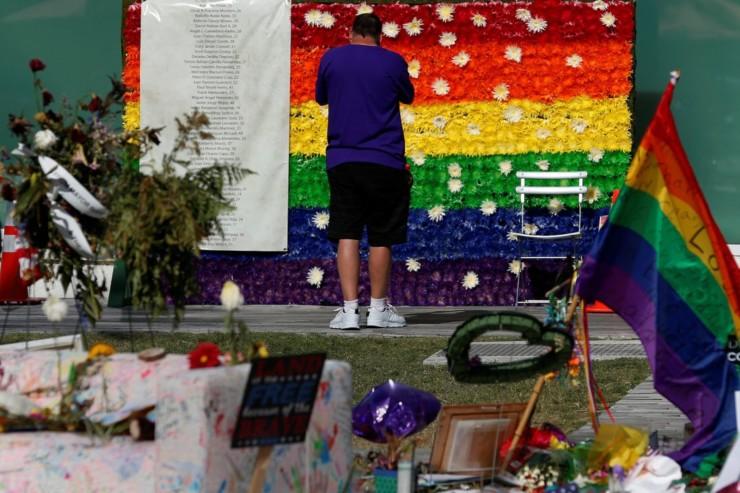 Memorial em homenagem às vítimas LGBT de Orlando