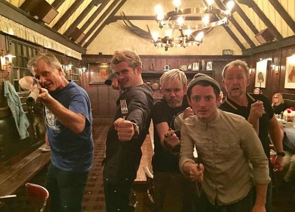 Viggo Mortensen, Orlando Bloom, Dominic Monaghan, Elijah Wood e Billy Boyd