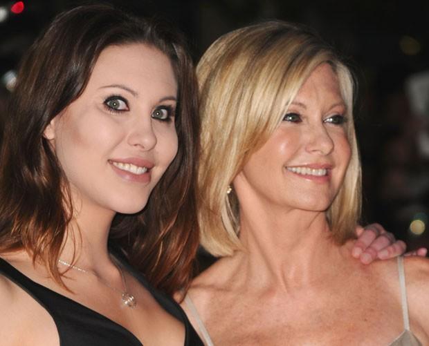 Chloe Lattanzi e a mãe, Olivia Newton-John, em foto de 2010
