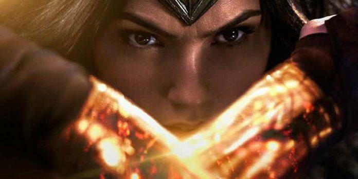 Wonder-Woman-Bracelets-696x348.jpg