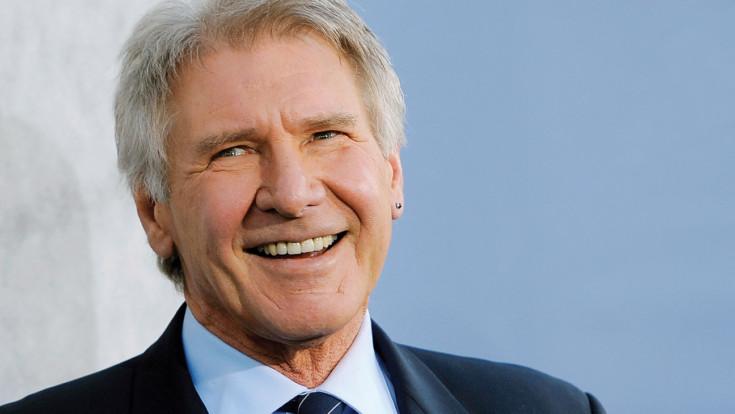Harrison Ford resgata mulher que bateu carro na Califórnia