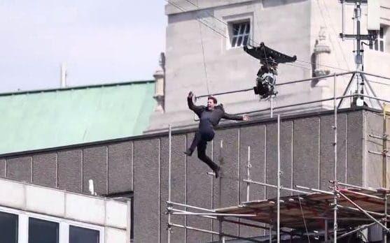 Missão Impossível 6 | Tom Cruise dispensa dublê e se machuca em filmagem