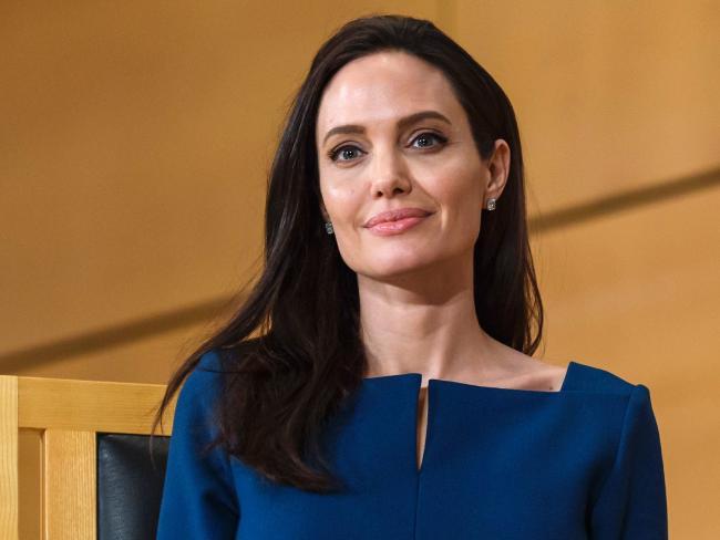 Angelina Jolie e Brad Pitt ensaiam reconciliação, diz jornal