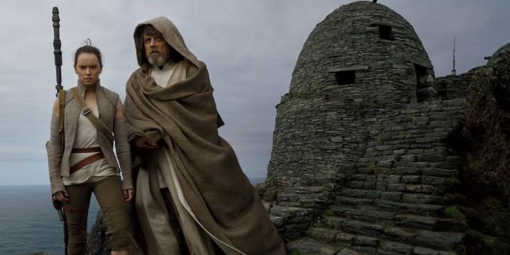 Luke Skywalker e Rey em Os Últimos Jedi