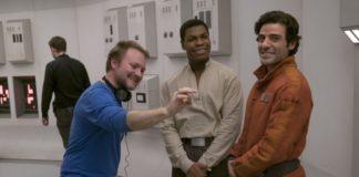 O diretor Rian Johnson no set de filmagens de Os Últimos Jedi.