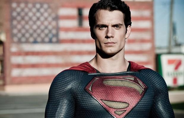 Henry Cavill como Superman.