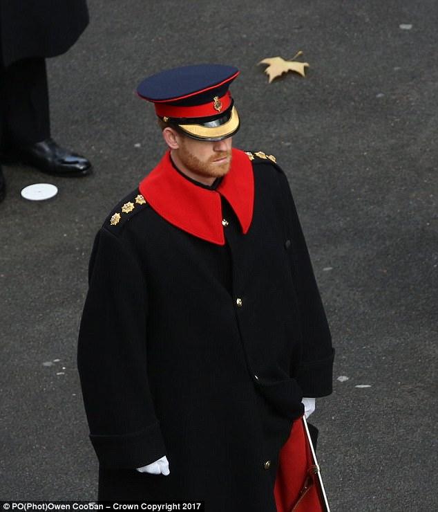 4643F2A300000578-5074637-British_Army_rules_forbid_all_beards_except_in_a_few_rare_circum-m-44_1510488958250