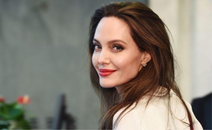 A atriz e diretora Angelina Jolie