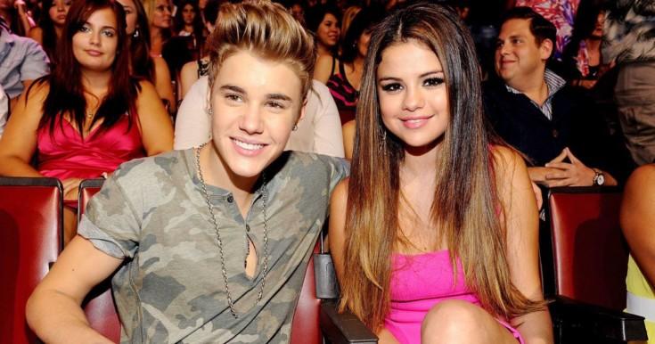 Decotadíssima, Selena Gomez estrela ensaio e faz suspense sobre volta com Bieber