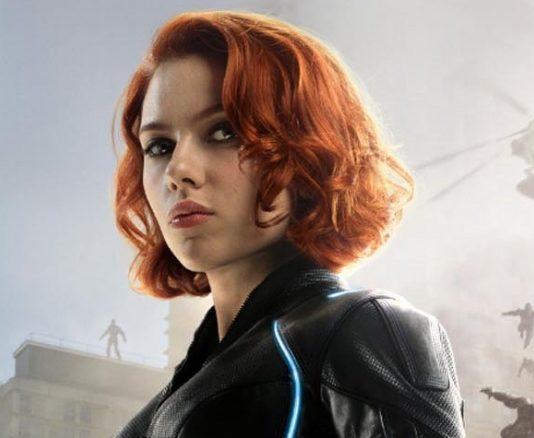 Viúva Negra (Scarlett Johansson).