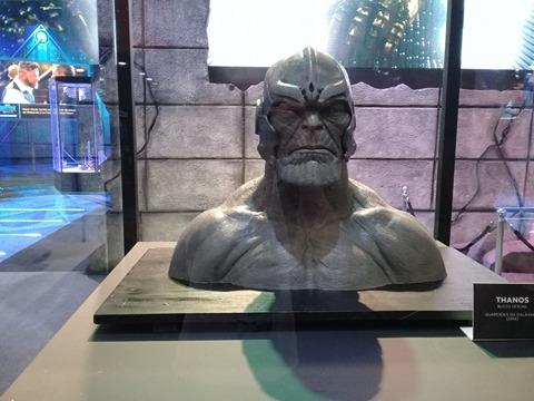 Capacete de Thanos.
