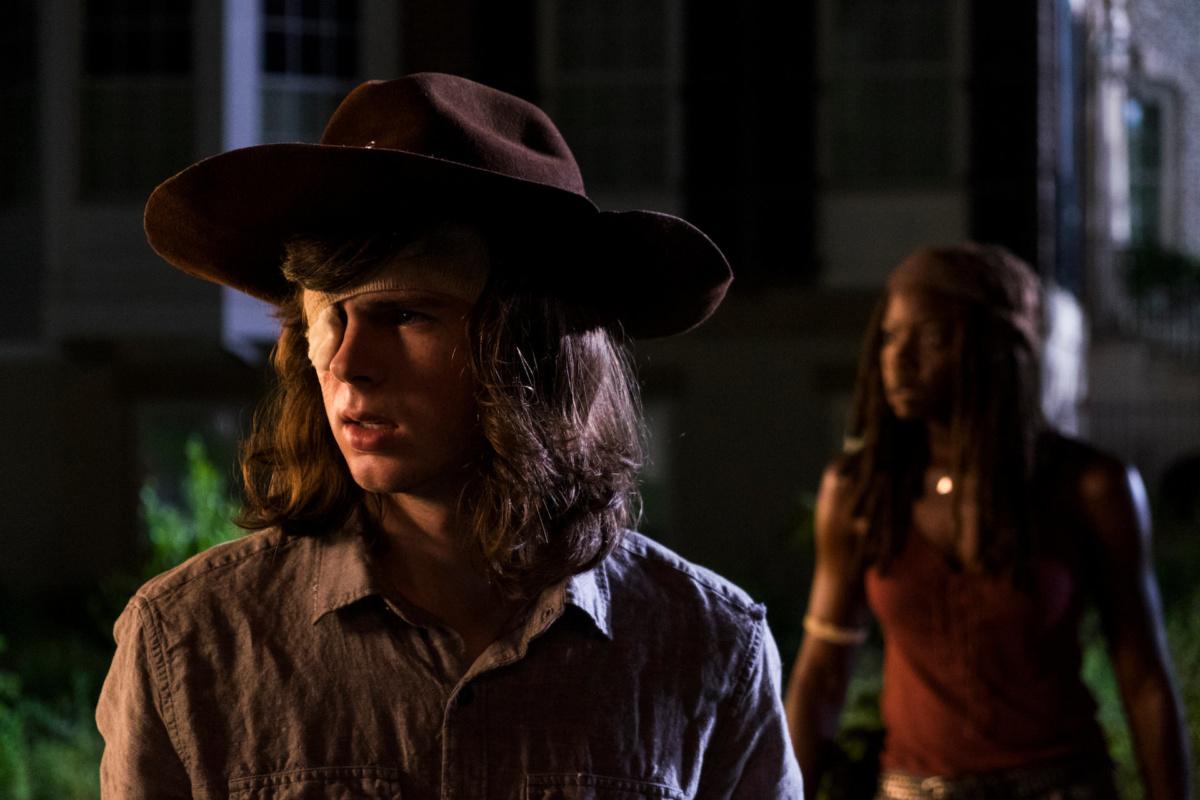 Carl e Michonne em The Walking Dead