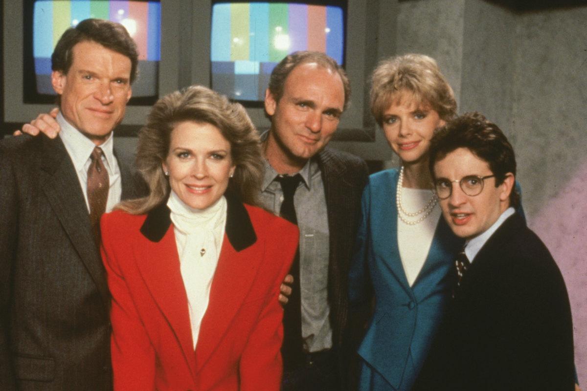 Filmes De Comedia Dos Anos 80 regarding murphy brown, sitcom dos anos 80, ganhará revival pela cbs