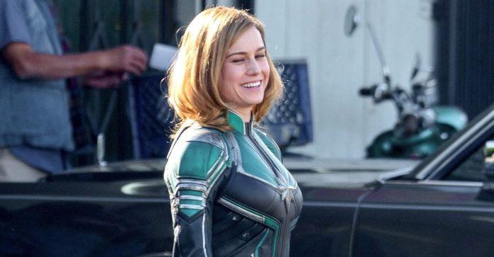 Brie Larson como Capitã Marvel