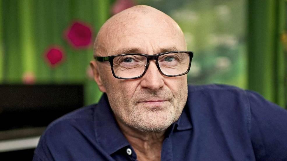 Cantor Phil Collins é retido no Galeão