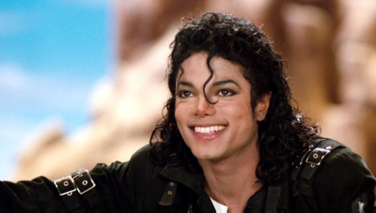 Veja as mais lindas famosas que namoraram Michael JacksonTatum O'NealBrooke ShieldsDiana RossStephanie MillsMadonnaWhitney HoustonLisa-Marie Presley