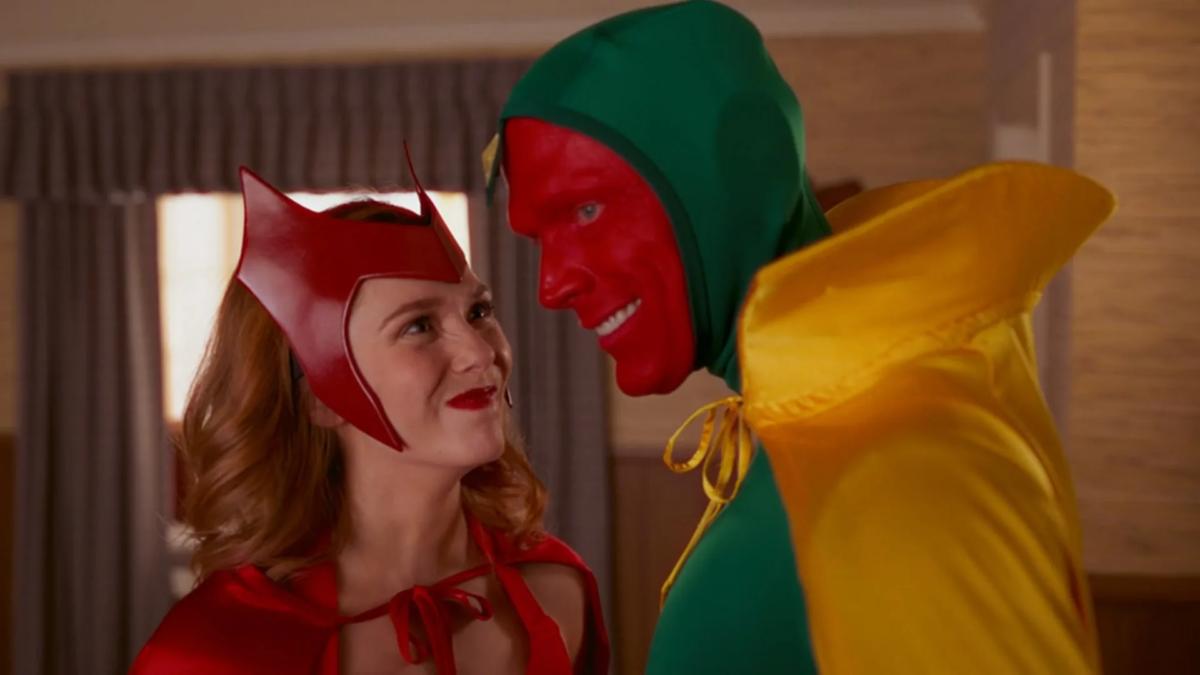 Heroína de Vingadores foi comparada com atriz pornô por diretor da Marvel