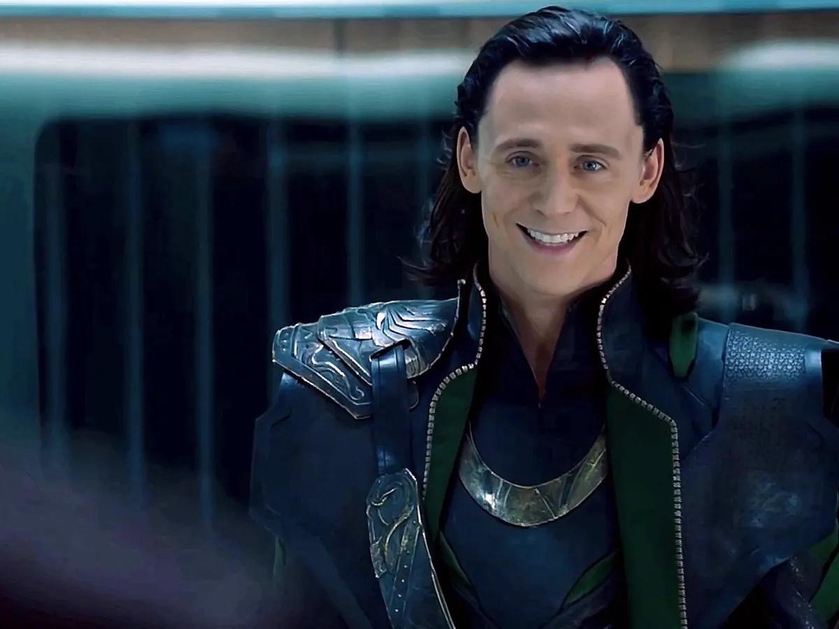 Diretora diz que fãs deveriam reconhecer nave que aparece no fim de Loki