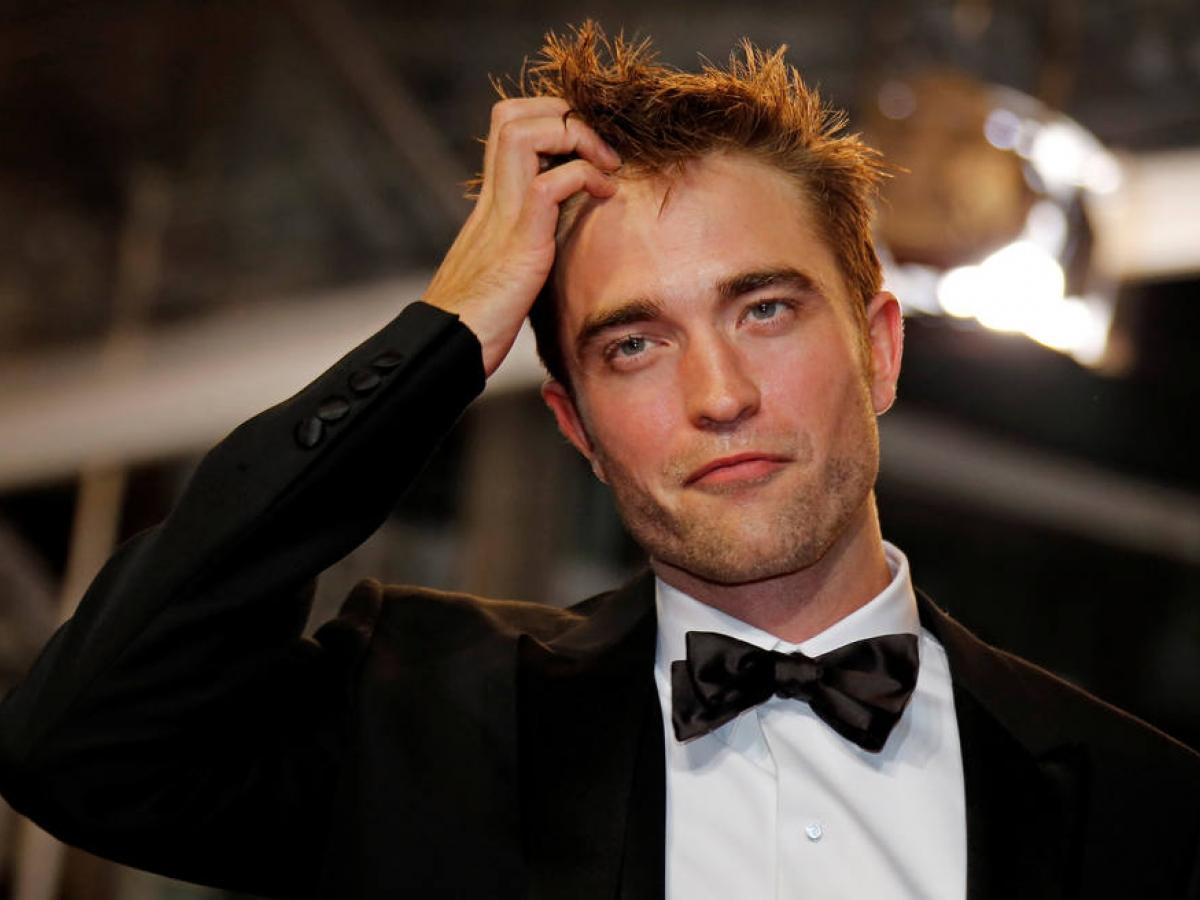 Gossip Girl faz piada com Robert Pattinson e namorada dele responde