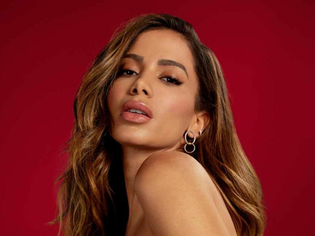 Anitta dá cantada em padrinho de Casamento às Cegas Brasil