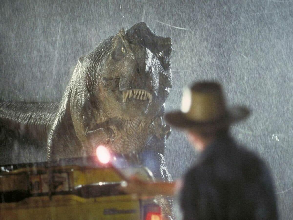 Ator de Jurassic Park revela ter boneco hilário de colega da franquia