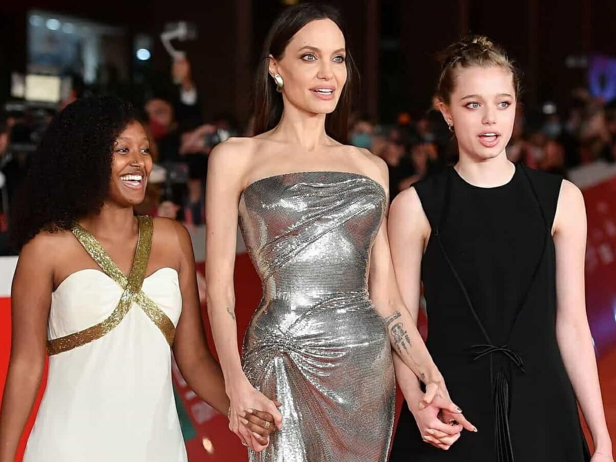 Após Zahara, Shiloh aparece com vestido de Angelina Jolie